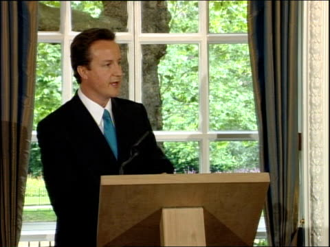 david cameron press conference on blair's departure and the nhs firstly gordon brown should bring an immediate stop to closures of maternity and ae... - 不公平点の映像素材/bロール