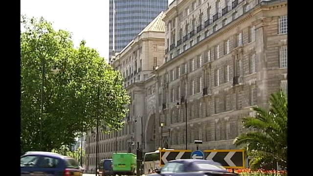 david cameron sets up inquiry into torture allegations london ext general view mi5 building - イギリス情報局保安部点の映像素材/bロール