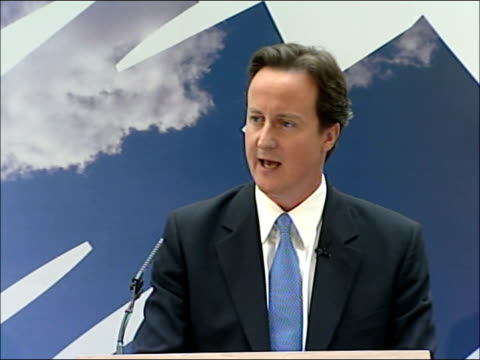 vidéos et rushes de david cameron speech on equal pay and economic stability; england: london: central london: kpmg: int david cameron mp speech sot - i'm incredibly... - party social event
