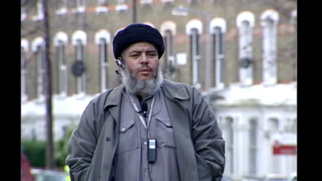 david cameron speech on multiculturalism / edl march in luton r11040310 finsbury park ext militant muslim cleric abu hamza preaching on street to... - multiculturalism stock videos & royalty-free footage