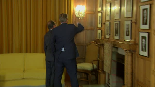 david cameron will today call on european leaders to deport more economic migrants who don't have a genuine claim for asylum. the prime minister is... - françois hollande stock videos & royalty-free footage