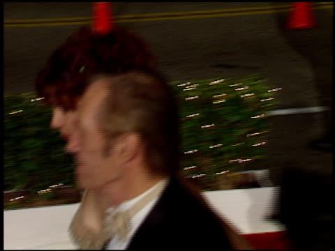 vídeos de stock e filmes b-roll de david carradine at the 1998 academy awards titanic party at new chasens in beverly hills california on march 23 1998 - 70.ª edição da cerimónia dos óscares