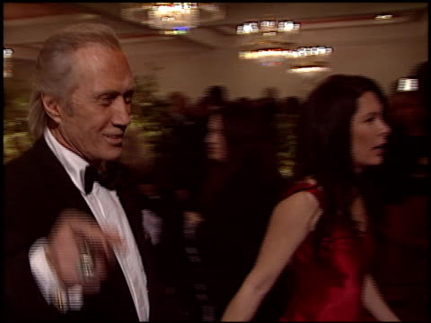 vídeos de stock, filmes e b-roll de david carradine at the 2005 dga director's guild of america awards at the beverly hilton in beverly hills california on january 29 2005 - director's guild of america
