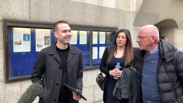 david challen and jennifer turney speak outside the old bailey after georgina challen known as sally was granted bail after the murder conviction for... - bail cricket stump stock videos & royalty-free footage