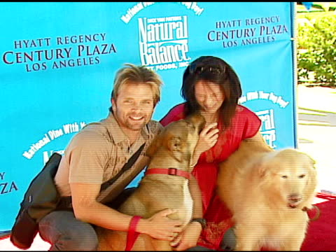 David Chokachi and Annabeth Gish at the Dine With Your Dog Day at the Hyatt Regency Century Plaza in Century City California on October 19 2006