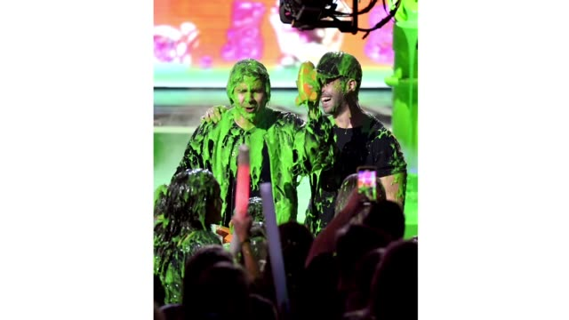 david dobrik and josh peck get slimed onstage at nickelodeon's 2019 kids' choice awards at galen center on march 23, 2019 in los angeles, california. - nickelodeon stock videos & royalty-free footage
