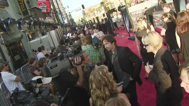 david duchovny at the 'the x-files: i want to believe' premiere at los angeles ca. - xファイル点の映像素材/bロール