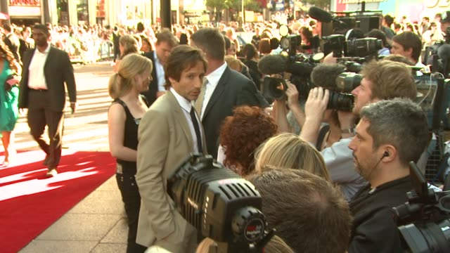 david duchovny at the x-files: i want to believe uk premiere at london . - xファイル点の映像素材/bロール