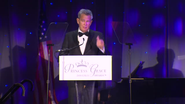 david foster on replacing katharine mcphee at the 2018 princess grace awards gala at cipriani 25 broadway on october 11, 2018 in new york city. - マンハッタン チプリアーニ点の映像素材/bロール