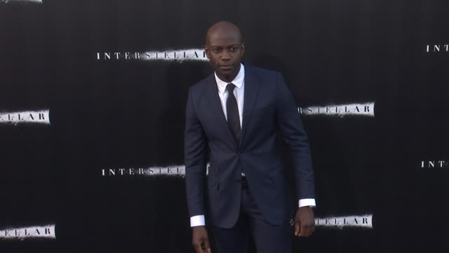 vídeos de stock, filmes e b-roll de david gyasi at interstellar los angeles premiere at tcl chinese theatre on october 26 2014 in hollywood california - tcl chinese theatre