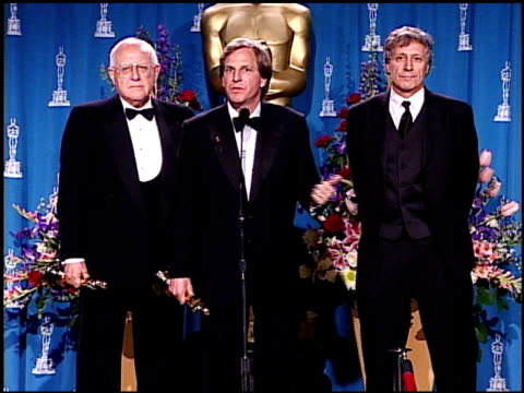 david h franzoni at the 2001 academy awards at the shrine auditorium in los angeles, california on march 25, 2001. - 第73回アカデミー賞点の映像素材/bロール