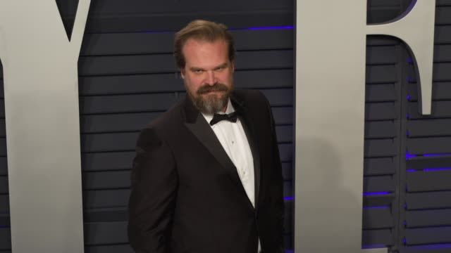 david harbour at 2019 vanity fair oscar party hosted by radhika jones at wallis annenberg center for the performing arts on february 24, 2019 in... - vanity fair oscar party stock videos & royalty-free footage