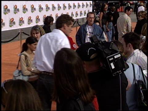 david hasselhoff at the 2003 kids' choice awards at barker hanger in santa monica, california on april 12, 2003. - david hasselhoff stock videos & royalty-free footage