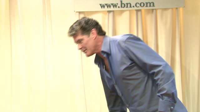 david hasselhoff at the david hasselhoff book signing for 'don't hassel the hoff' at barnes noble bookstore in new york new york on june 5 2007 - barnes & noble stock videos and b-roll footage