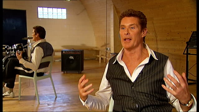 david hasselhoff talks about new show; david hasselhoff interview sot - wonderful to have girls leap into my arms - david hasselhoff stock videos & royalty-free footage