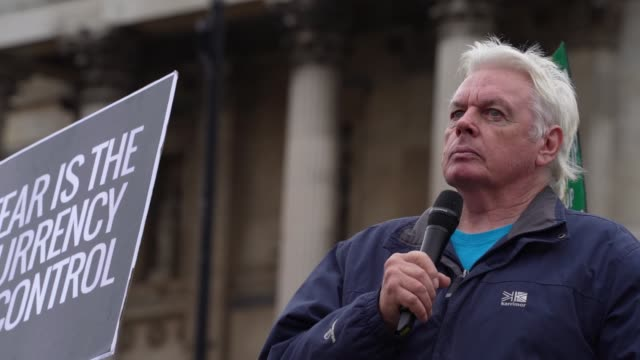 david icke on stage as he talks to demonstrators attending a we do not consent antimask rally at trafalgar square on september 26 2020 in london... - talking politics stock videos & royalty-free footage