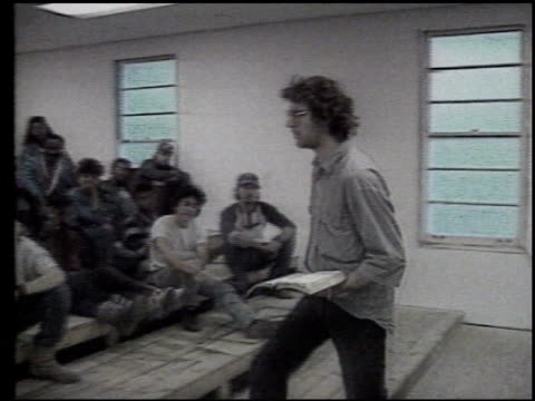 / david koresh speaking to disciples in classroom david koresh in classroom on april 19 1993 in waco texas - student leadership stock videos & royalty-free footage