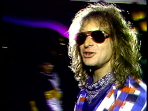 david lee roth arrives at the 1984 video music awards post party held at tavern on the green in new york city - mtv点の映像素材/bロール