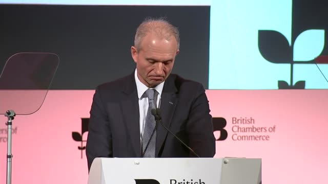 vidéos et rushes de david lidington saying politicians of all parties have a duty to put the national interest first so we can move on to a brighter future for the... - conférencier