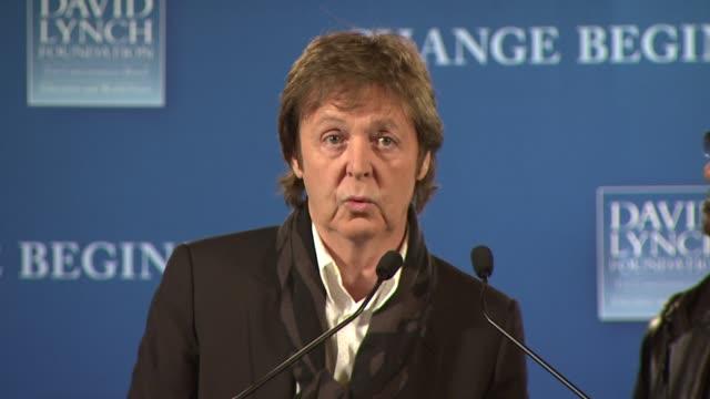 david lynch foundation's change begins within press conference, new york, ny, 4/3/09 - モービー点の映像素材/bロール