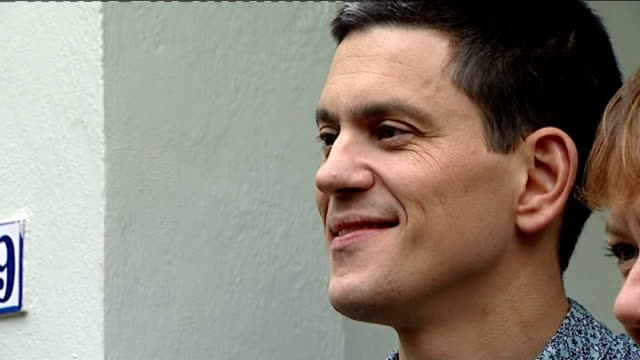david miliband withdraws from the shadow cabinet london david miliband posing for press photocall outside house press outside house and david... - david miliband stock videos & royalty-free footage