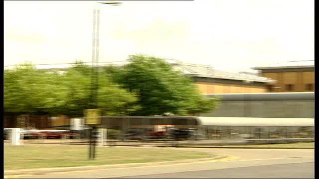 david norris/neil acourt jailed for assault; itn lib from server belmarsh prison: lgv prison lms prison windows - 性感染症点の映像素材/bロール