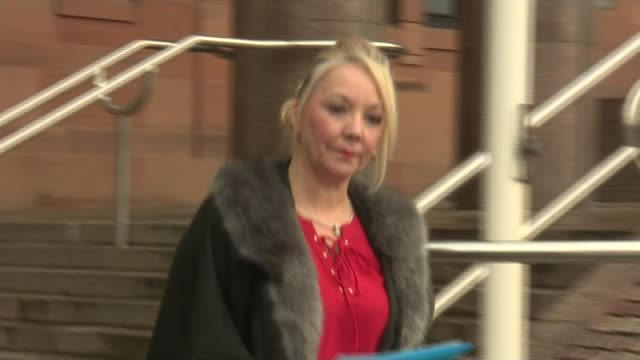 vidéos et rushes de david rathband's family lose negligence court case against northumbria police file / date unknown debbie essery along from court end file robin... - nord est de l'angleterre