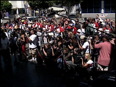 david spade at the dediction of david spade's walk of fame star at the hollywood walk of fame in hollywood, california on september 5, 2003. - デビッド スペード点の映像素材/bロール
