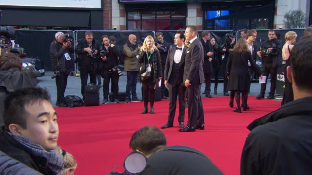 david walliams jimmy carr at 'the irishman' international premiere 63rd bfi london film festival closing carpet on october 13 2019 in london england - premiere stock-videos und b-roll-filmmaterial
