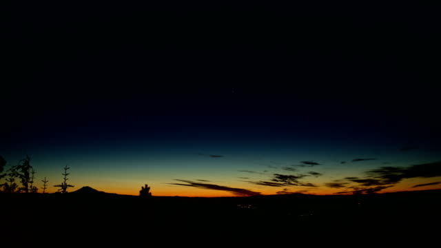 dawn glow mt. adams and hood river and stars from lost lake butte - pacific crest trail stock videos & royalty-free footage