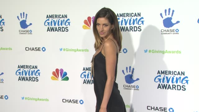 dawn olivieri at the 2nd annual american giving awards presented by chase on in pasadena ca - hinterher bewegen stock-videos und b-roll-filmmaterial
