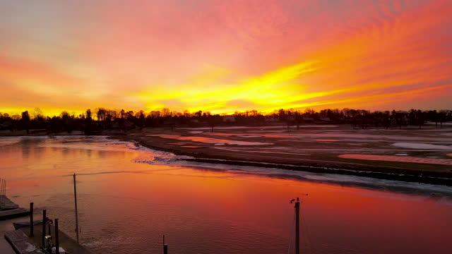 dawn over frozen southport harbor - connecticut bildbanksvideor och videomaterial från bakom kulisserna