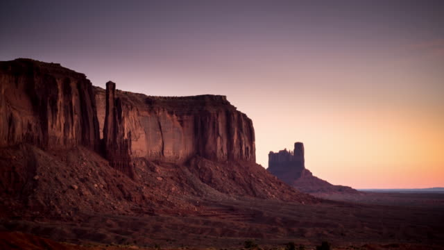 Zonsopgang tot dag in Monument Valley - time-lapse