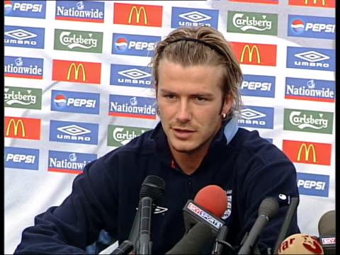 day 13 lunchtime news cms david beckham press conference sot - 2003 bildbanksvideor och videomaterial från bakom kulisserna
