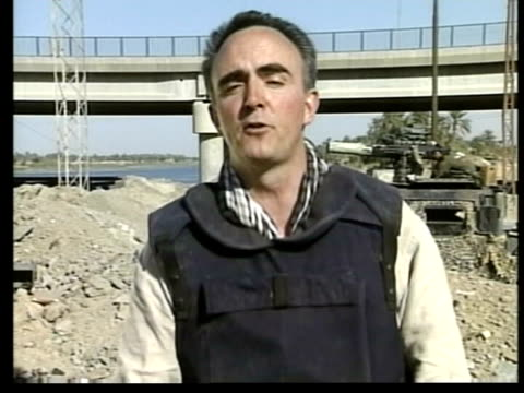 day 14 itv late news iraq nassiriya ext i/c - itv late news stock-videos und b-roll-filmmaterial