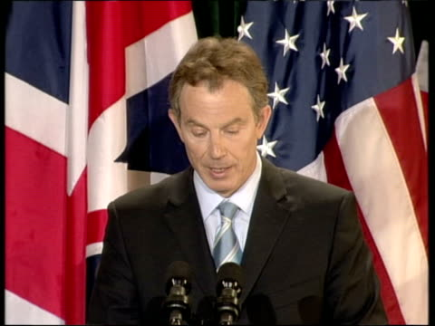 vidéos et rushes de day 20 evening news evening news u'lay northern ireland belfast hillsborough castle int tony blair mp press conference sot this new iraq that will... - irak