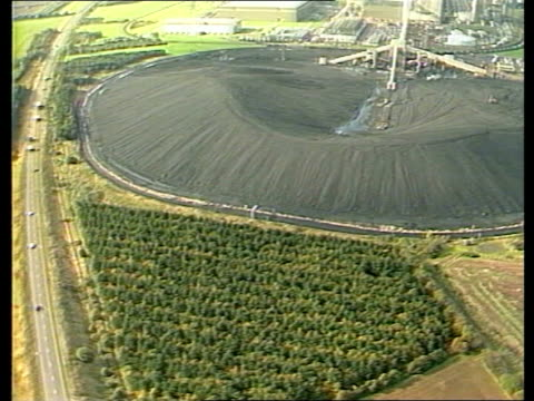 day 226 itn lib yorkshire airview coal stocks airview more airview coal lorries airview coal lorries waiting to be loaded airview coal lorry convoy... - day 2 stock videos & royalty-free footage