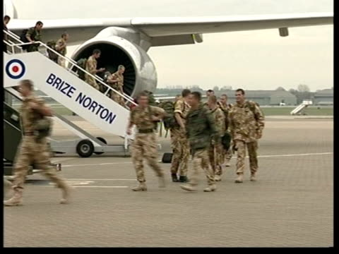 british soldiers return home: anthony crouch; evening news: david harrison england: oxfordshie: raf brize norton: int lms leanne stacey, fiancee of... - day26 stock videos & royalty-free footage