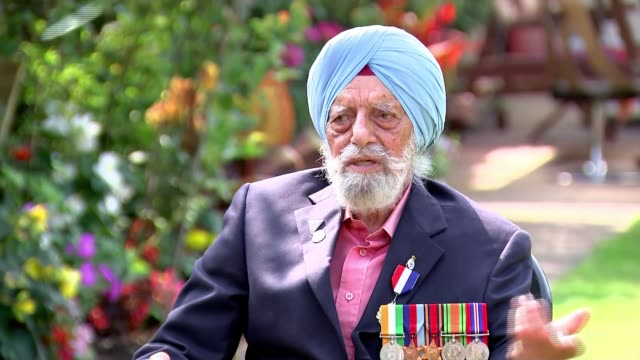 veterans fighting for sacrifices of soldiers during asian conflict to be remembered; england: ext major rajinder singh dhatt interview excerpt sot. - vj演出点の映像素材/bロール