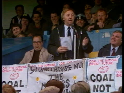 day 84 england west yorkshire south elmsall lbv miners and families at open air meeting bv arthur scargill standing up lms arthur scargill speech sof... - 1984 stock videos & royalty-free footage
