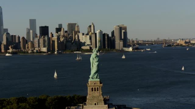 vídeos de stock e filmes b-roll de day aerial of new york city manhattan usa - 2014