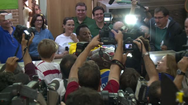 A day before the World Cup final football legend Pele bets on the victory of Germany over Argentina