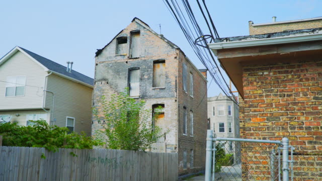 day exterior alley with boarded up apartment - run down stock videos & royalty-free footage