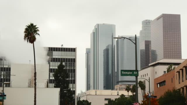 vídeos de stock e filmes b-roll de day exterior downtown office buildings - placa de nome de rua
