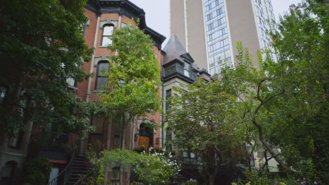 day exterior luxury apartments - テラスハウス点の映像素材/bロール