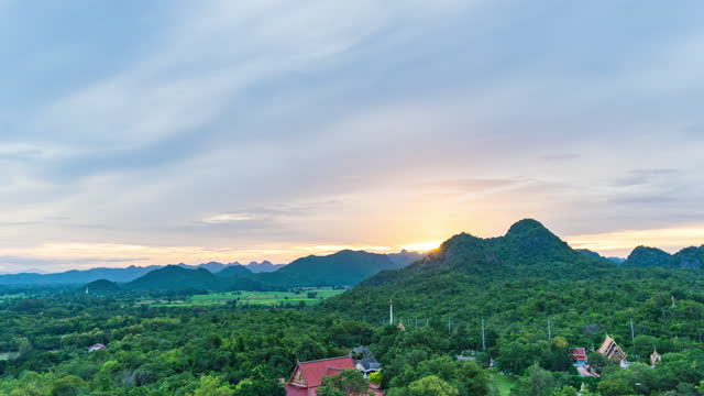 day to dusk shot of sunset over mountains, time lapse video - day to sunset stock videos & royalty-free footage
