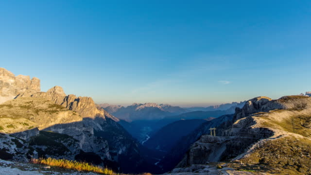 day to dusk timelapse at tri crime,dolomites italy - day to dusk stock videos & royalty-free footage