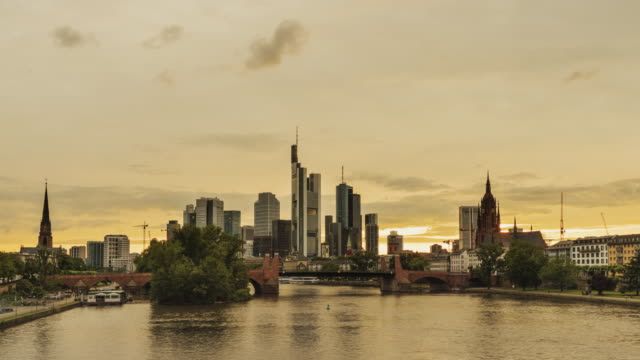 day to dusk time-lapse of frankfurt skyline - day to dusk stock videos & royalty-free footage