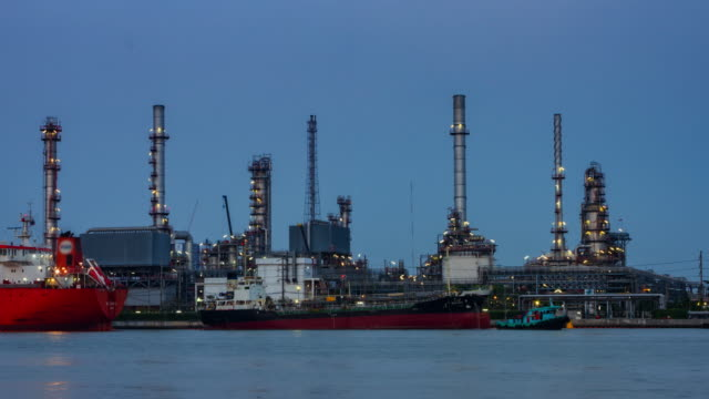 4K TIME LAPSE Day to Night (4096x2160) :Oil Refinery Plant Time Lapse (Apple ProRes. 422(HQ))