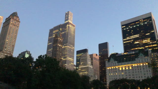 day to night panoramic of new york city - low angle view stock videos & royalty-free footage